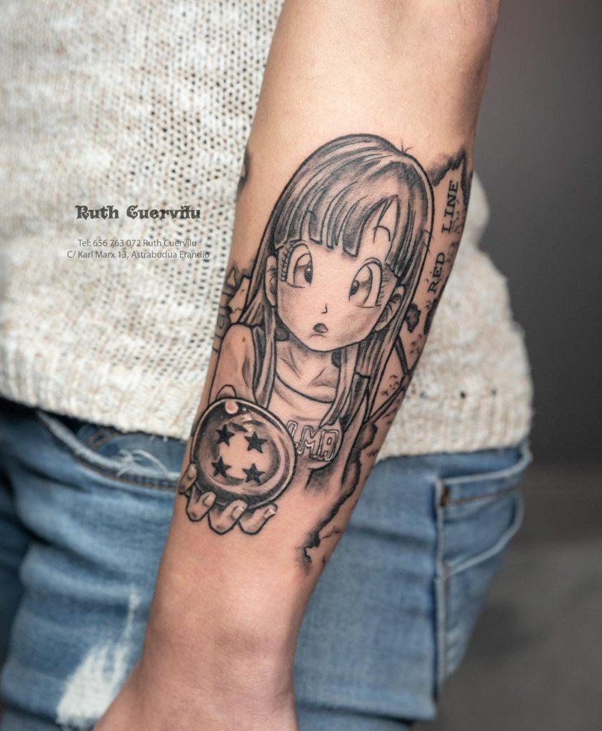 Tatuaje Bulma Dragon Ball - Ruth Cuervilu Tattoo - KM13 Studio - Estudio de tatuajes Astrabudua Erandio Bizkaia Bilbao Barakaldo Getxo Leioa Gasteiz 1