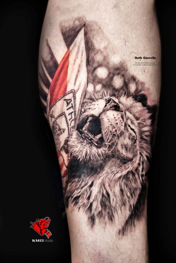Tatuaje Realismo Leon Feliz Athletic Club bilbao - Ruth Cuervilu tattoo km13 studio - estudio de tatuajes erandio
